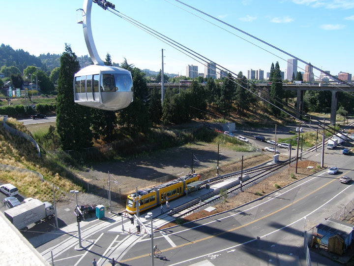 4T Tram at the trolley stop on the South Waterfront